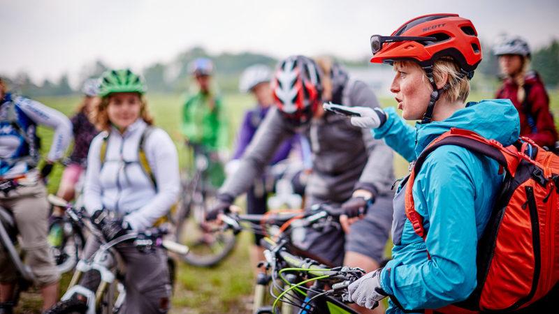 Training und Trailkunde - Fahrtechnik Camp Women