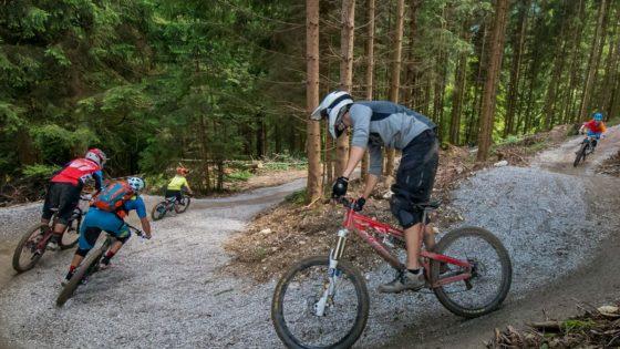 Fahrtechnik Bikepark Oberammergau Bayern, Junior Camp Kids - Die Rasenmäher Mountainbike Camp