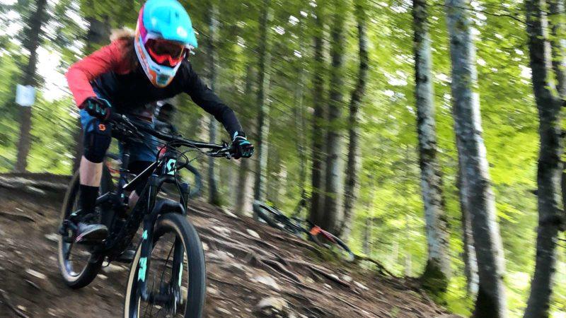 Rookie Camp Bikepark Oberammergau Bayern, Fahrtechnik Wurzel Trail - Die Rasenmäher Mountainbike Camp
