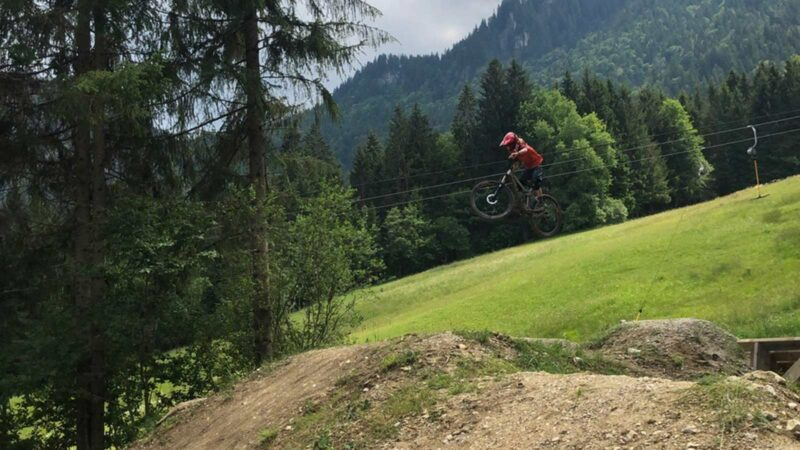 Rookie Camp Bikepark Oberammergau Bayern, Sprungtraining Gap - Die Rasenmäher Mountainbike Camp