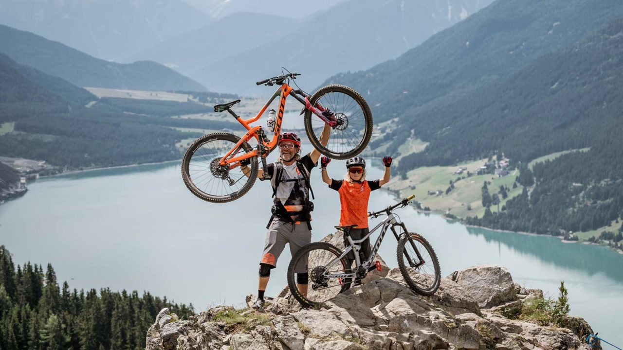 Father & SonDays - Topshot - Highlight Foto auf den Trails in Richtung Reschensee. Foto: Clemens Bartl
