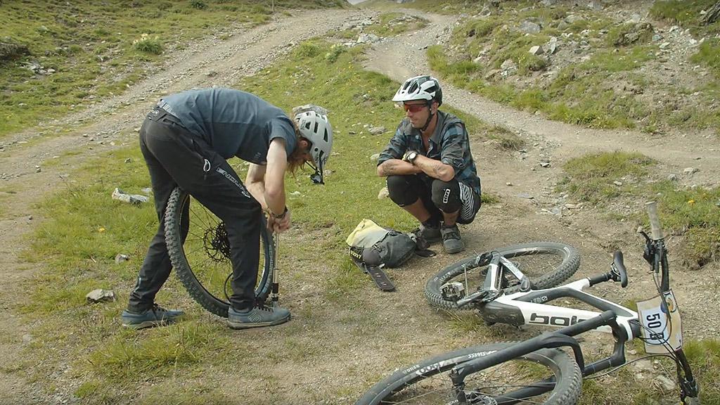 Event Hörnli Trailjagd 2021 Arosa Lenzerheide - Reifenkontrolle - Event